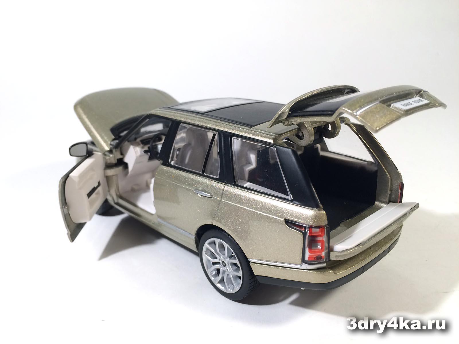 Масштабная модель Land Rover Range Rover Voque от IDEAL, вид сзади  (масштаб 1:24)