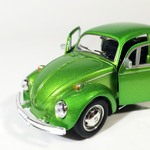 Volkswagen_Kafer_beetle_salatovii_shine_sa-4