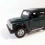 Ideal_Land_Rover_Defender_zelenii_vk_1