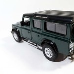 Ideal_Land_Rover_Defender_zelenii_vk_2